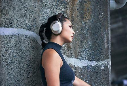 Top 15 Best Headphones Under 300 in 2019